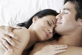 web-sex-marriage-bed-sexuality-shutterstock_usaart-studio-ai-320x213